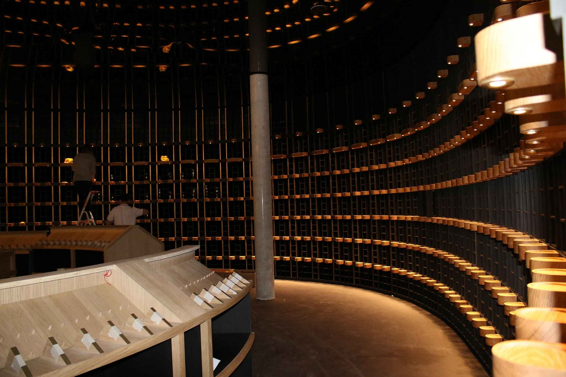 2048x1536-fit_cave-cite-vin-situee-rez-chaussee