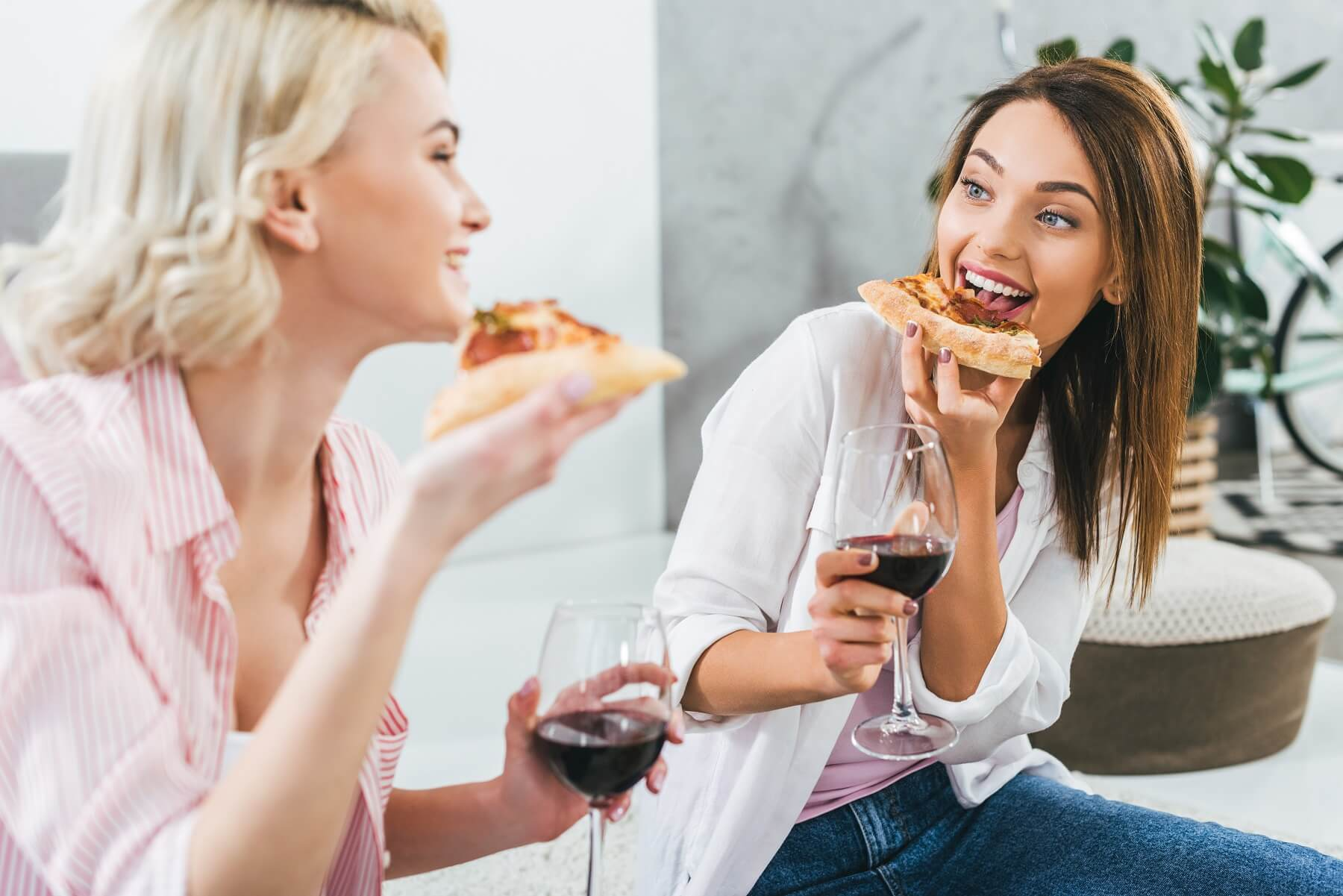 Pairing Wines to Your Favourite Junk Foods