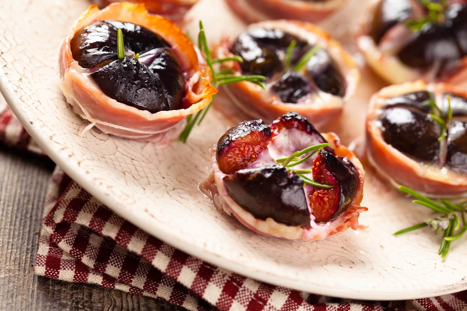 Bacon-wrapped Fig Canapes Recipe
